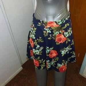 Beautiful ❣️ Floral mini Skirt
